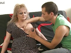 Egy vörös hajú lány fiatal korban a találkozó egy orvos, táplálkozási szakember, egy felnőtt, és meg kell elégednie vastag bajusz ő:) egy nagy kezdet, köszönhetően neki segítséget, amely segíthet a fogyókúra és a testsúly csökkent kissé. Karcsú, szexi, vörös hajú, tele vágy, ezek a gondolatok szörfözés az orvos és szex filmek ingyen a táplálkozás szükséges, gyönyörű emberek, Bugyi, nyitott ruhát, hogy az egész testét. És kurva vár csak ez, hogy vegye le a ruháit azonnal, mint egy jel, megragadta a farkát, é