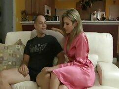 Pornó videó egy fiatal, gyönyörű kakas simogatta édes punci neki. Barna, maszturbáció, ingyen szex videók tini, ujjak, lány, szóló, Bugyi.