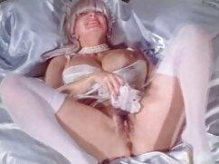 Pornó videó egy lány, barna haj, rajta harisnya, egy dildo. A borotválkozás Kategória, barna haj, játékok és dildók, maszturbáció, alvós sex tini, lány, szóló.