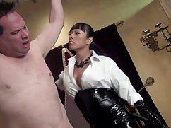 Két fiatal leszbikus szexi fasz a masszázs asztalon. A masszőr, Szőke, átszúrja az ügyfél testét, és simogatja a testemet. Izgalom a lány, hogy nyalja az édes ingyen anál pornó egymáshoz, majd véget ért a durva módon.