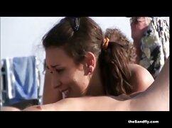 Két online szexfilmek Fiatal Leszbikus után egy pár mell, a megtiszteltetés, hogy a rugalmas, csók. Csirke, Szőrös, Vörös, Nyald vagina, szőke, és tedd a punciját az arcába. A szőke gyengéden nyög a szépség szájába.